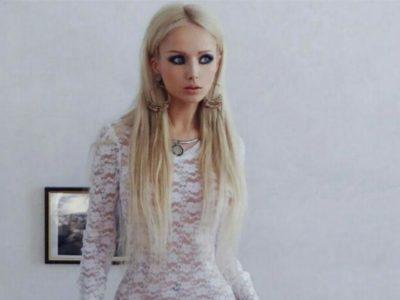 Imágenes De La Mujer Barbie frente