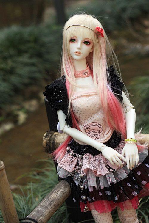 muñeca barbie con vestido