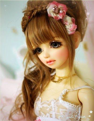 muñeca bonita con flores