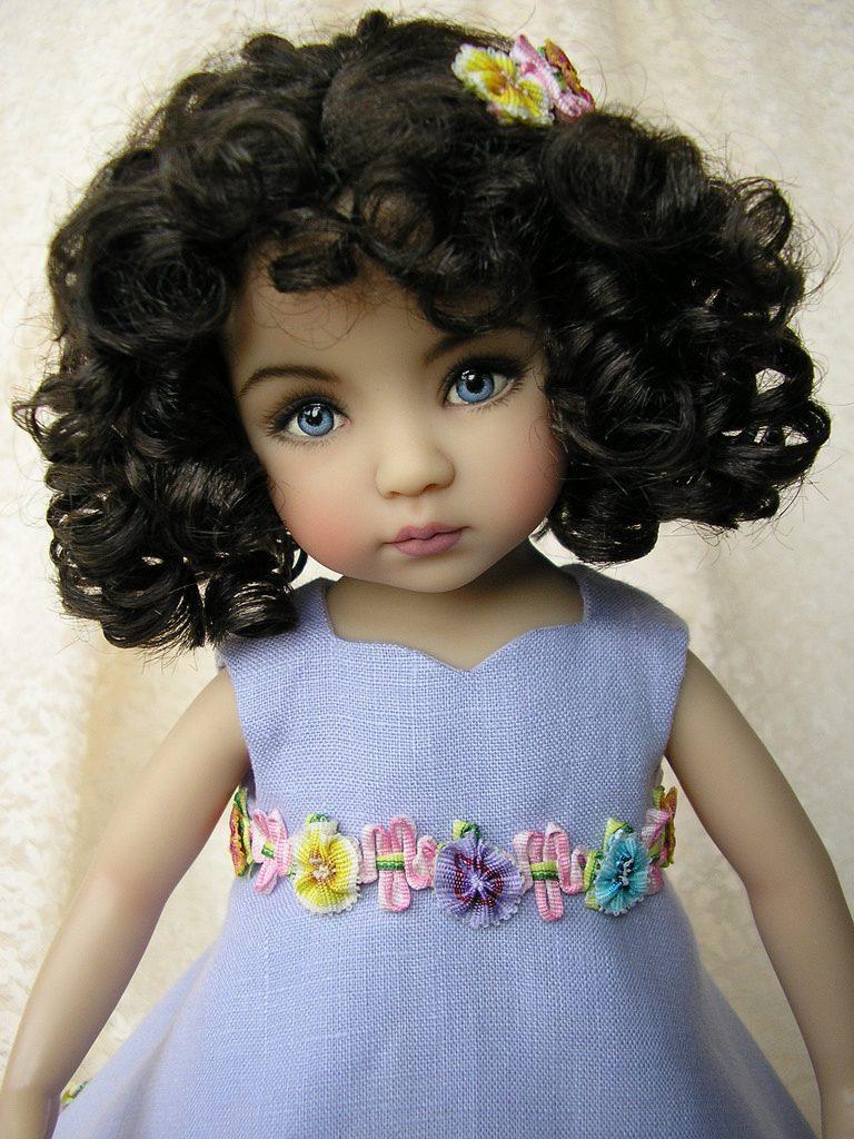 muñeca con rizos