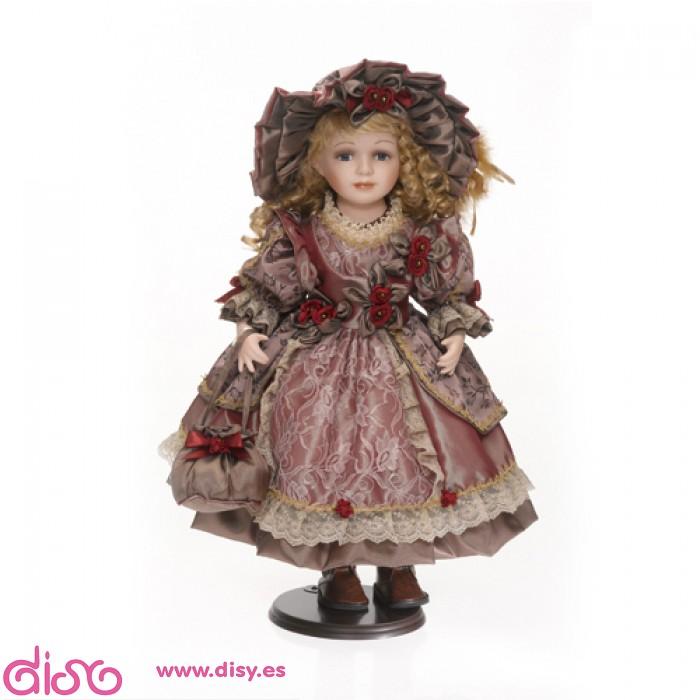 muñeca de porcelana con vestido largo