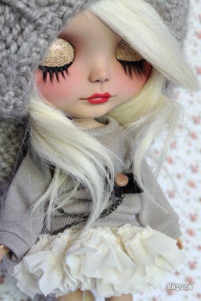 muñeca ojos cerrados