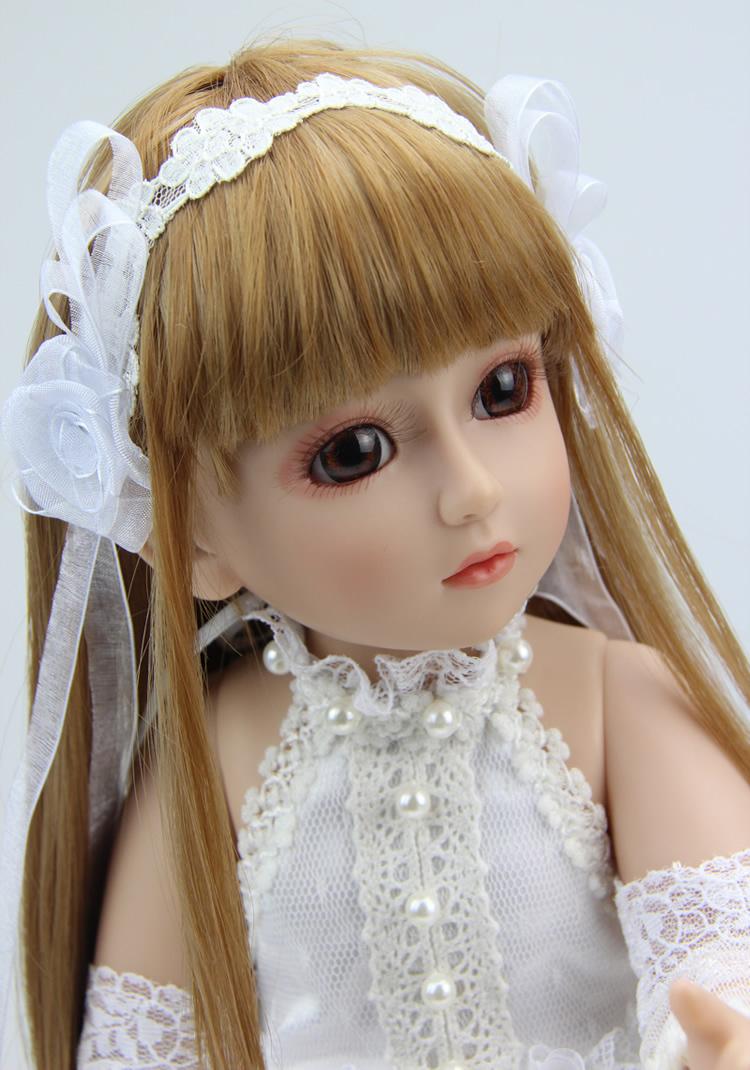 muñecas de blanco